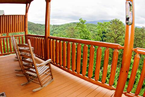A VIEW IS FOREVER Cabin Rental