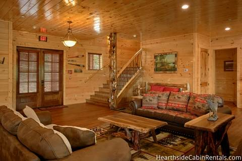 THE BIG ELK LODGE Cabin Rental