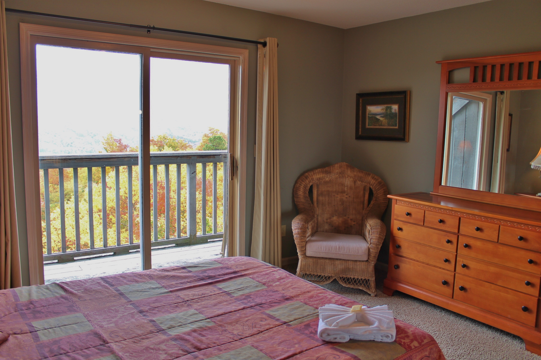 beautiful small bedroom leconte shadows 3 bedroom cabin located in 10223