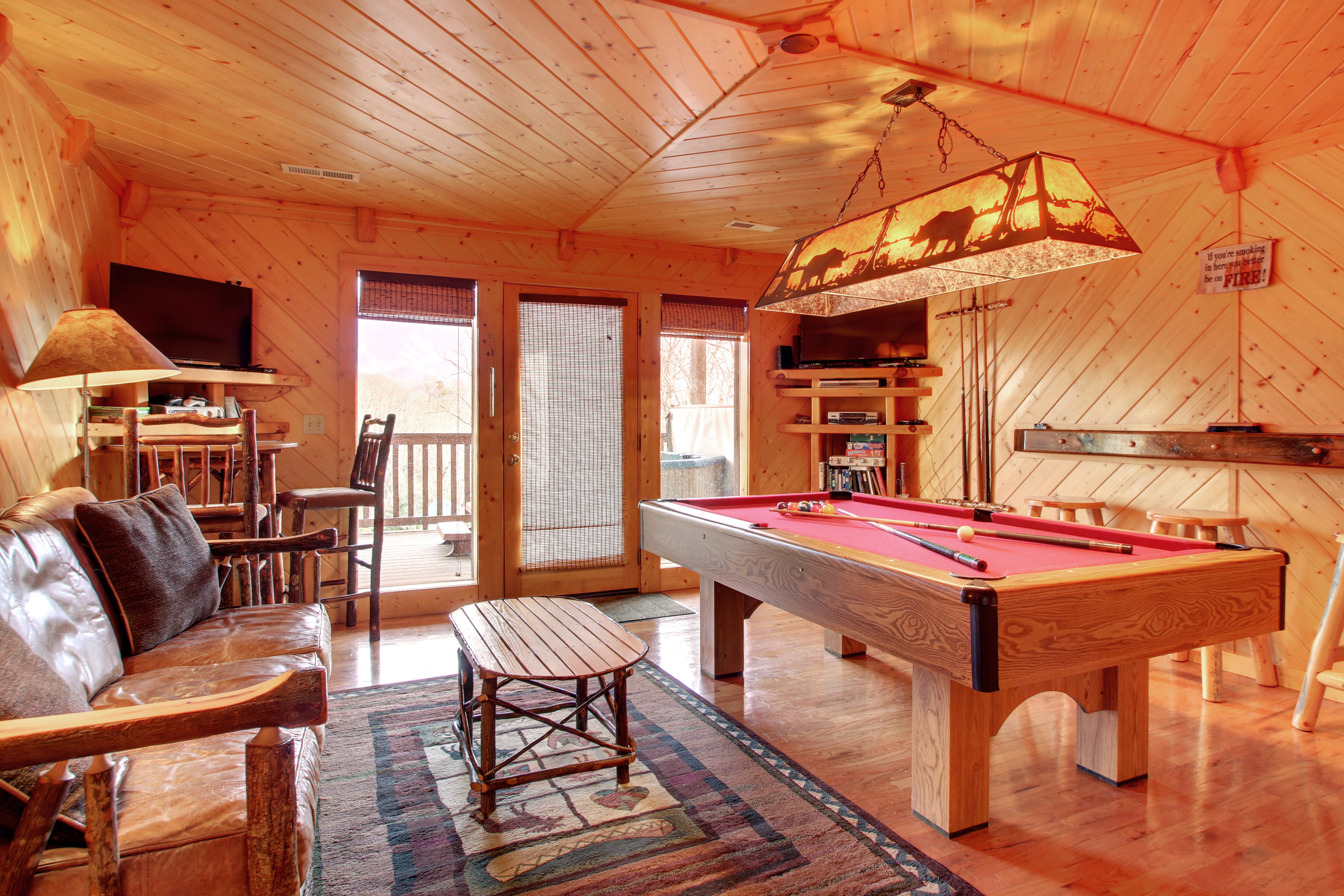 in cabins cabin with rental vacation gatlinburg pool tn tennessee private hot indoor and rentals tub