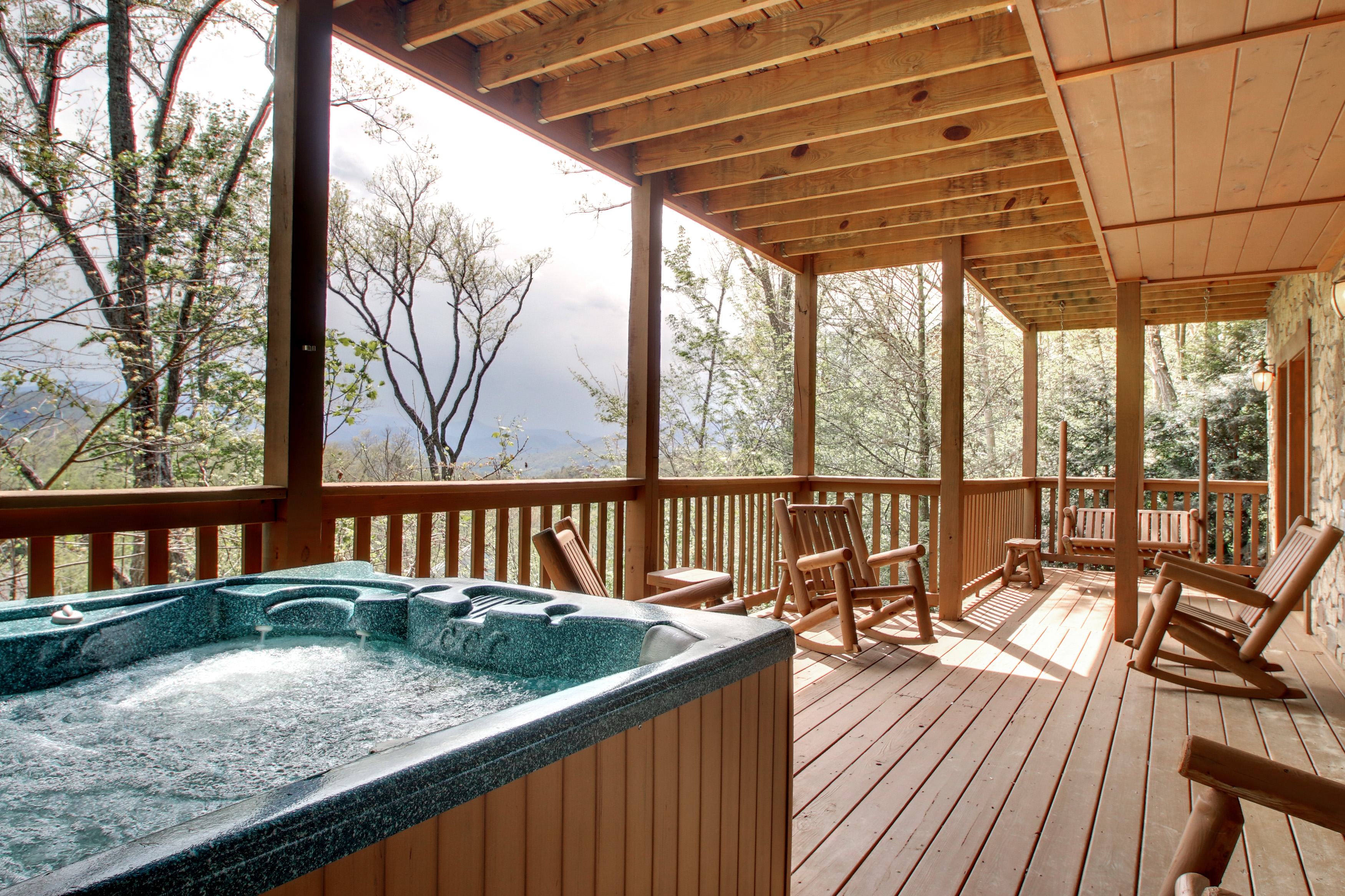 all of cabins in gatlinburg for lakefront rentals cabin mountain log with big bedroom size chalets people large bear pigeon full cozy forge tn pool