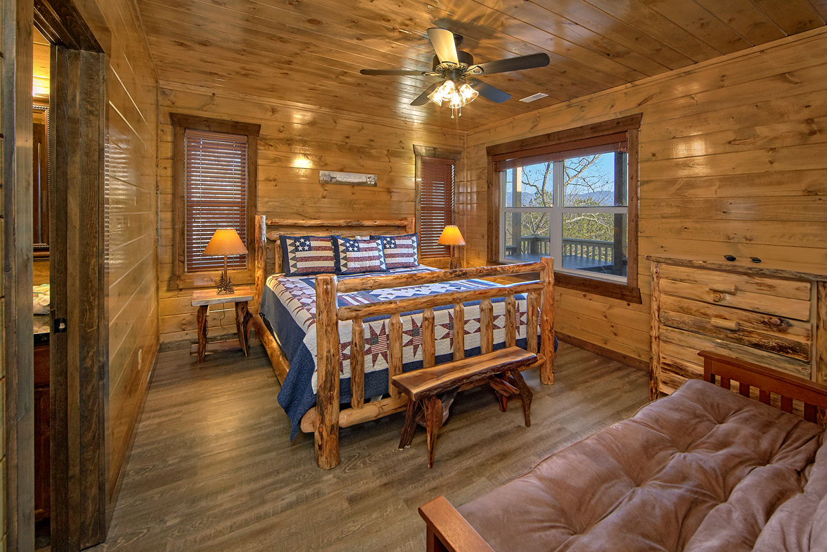 13 Bedroom Sleeps 60 Splash Mountain By Large Cabin Rentals