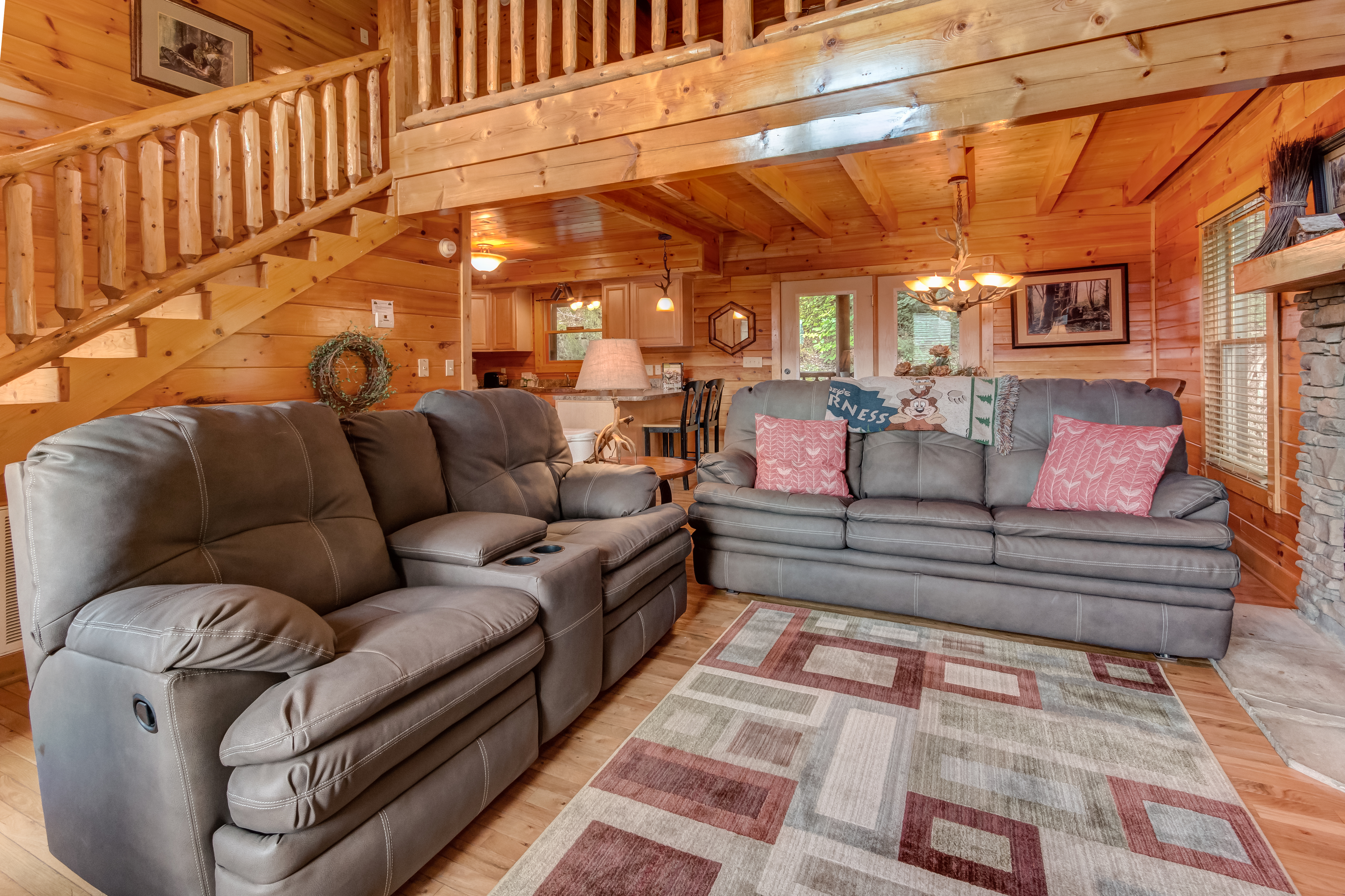luxury cabins in gret dollywood escpe interior near forge at pigeon for area pet friendly tn gatlinburg sale
