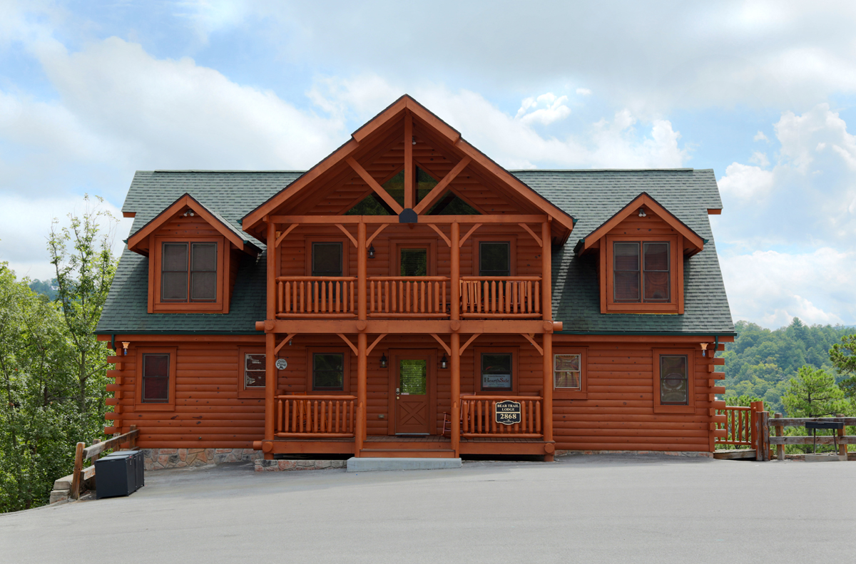 Bear Trail Lodge 5 Bedroom Cabin Located In