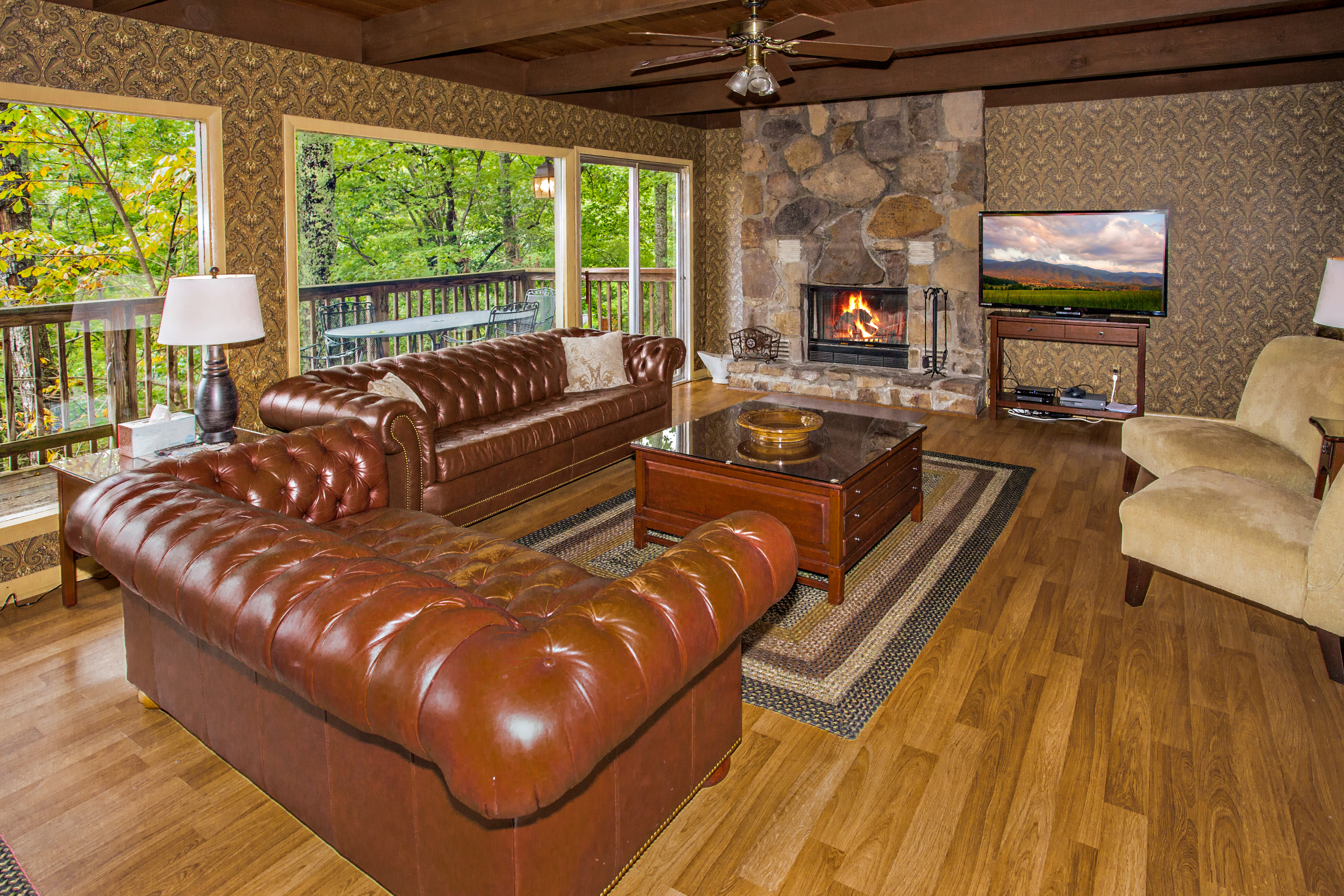 with and gatlinburg under pet private rent friendly pool rentals vacation valley cabins theater cabin tn movie for indoor rental tennessee in