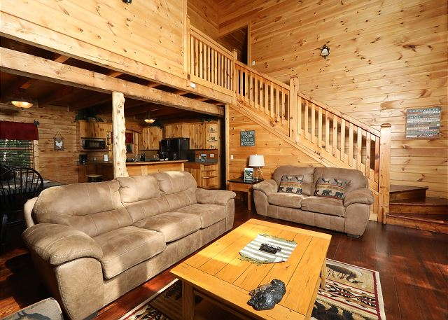 6 Bedroom, Sleeps 22, RUSTIC RETREAT LODGE by Large Cabin Rentals