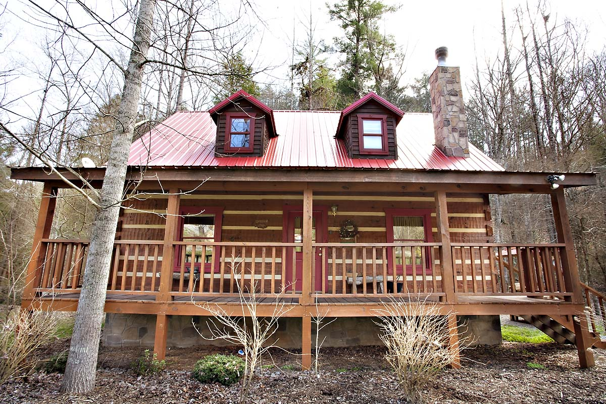 Creekside 2 bedroom cabin located in for Creekside cabins in pigeon forge tn