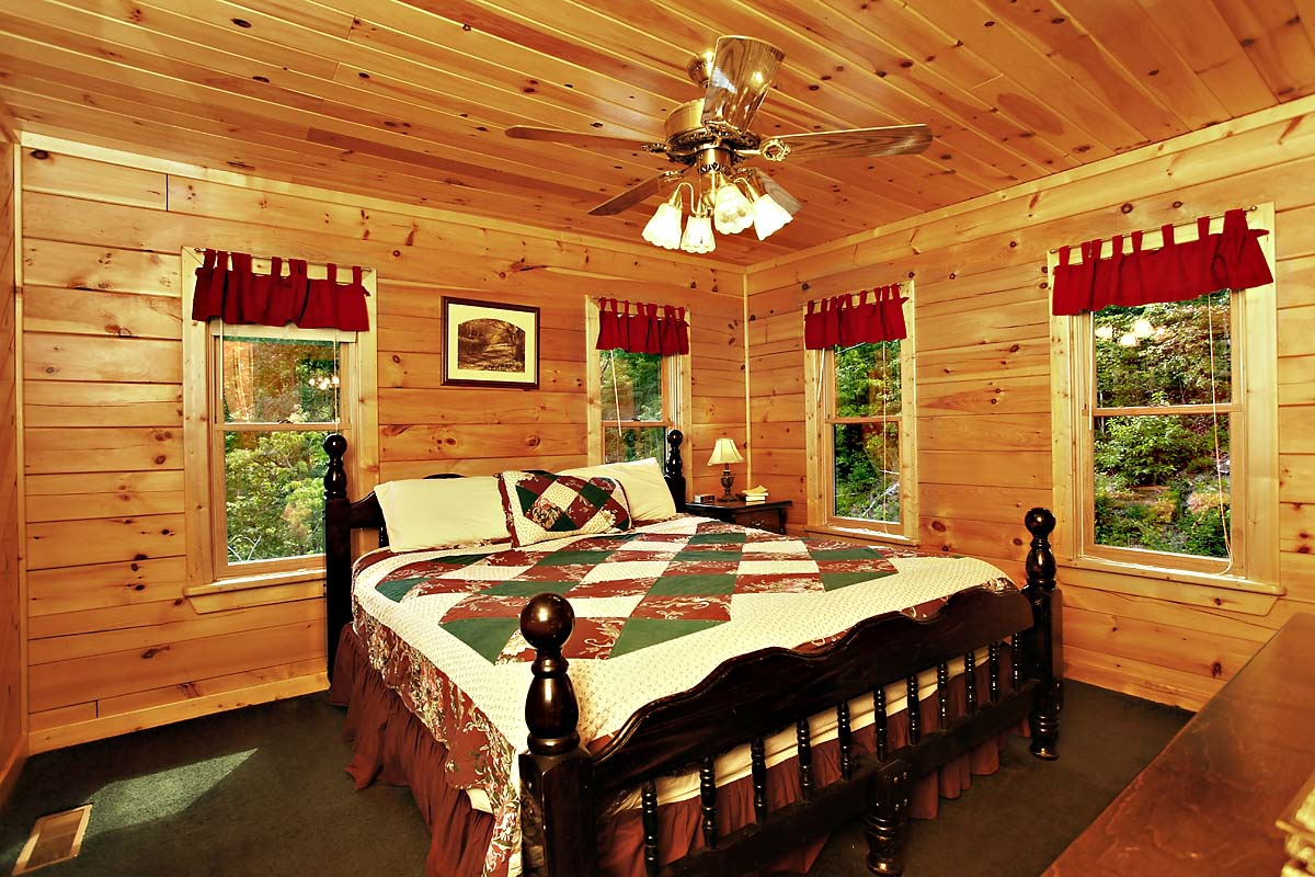 ABSOLUTELY FABULOUS - 3 BEDROOM cabin located in Sevierville.