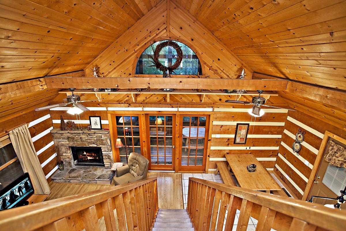 The Treehouse 2 Bedroom Cabin In Sevierville