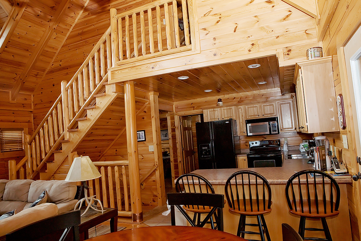 Black bear ridge 5 bedroom cabin located in for Bear ridge cabin rentals