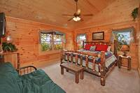 Relaxing king size bedroom in Pigeon Forge cabin Morning View Manor