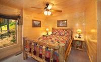 8 bedrooms cabin in Pigeon Forge with queen size bed