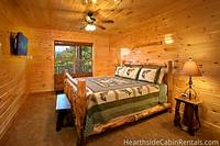 16 bedroom cabin in Pigeon Forge with handmade furniture and more than on tv