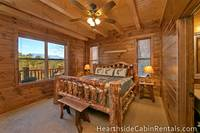 Large 8 bedroom cabin in Pigeon Forge with mountain view and king-size bed