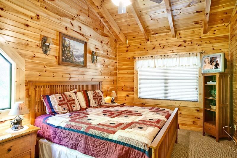 Sweet Dreams 2 Bedroom Cabin In Gatlinburg Tn