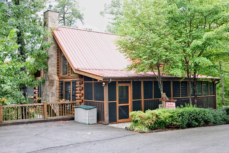 BAREFOOT DREAMS 2 bedroom Cabin in Gatlinburg, TN