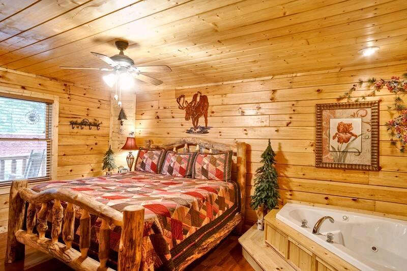 Call Of The Wild 2 Bedroom Cabin In Gatlinburg Tn