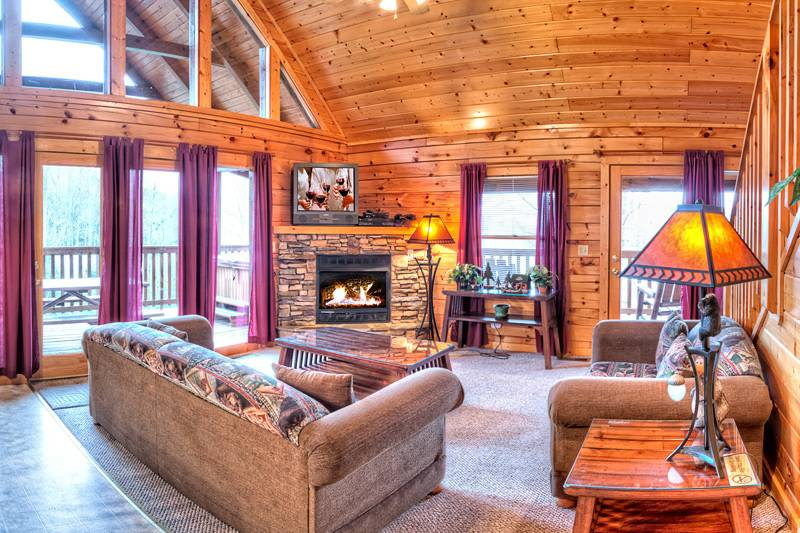 Bearfoot Lodge 3 Bedroom Cabin In Gatlinburg Tn