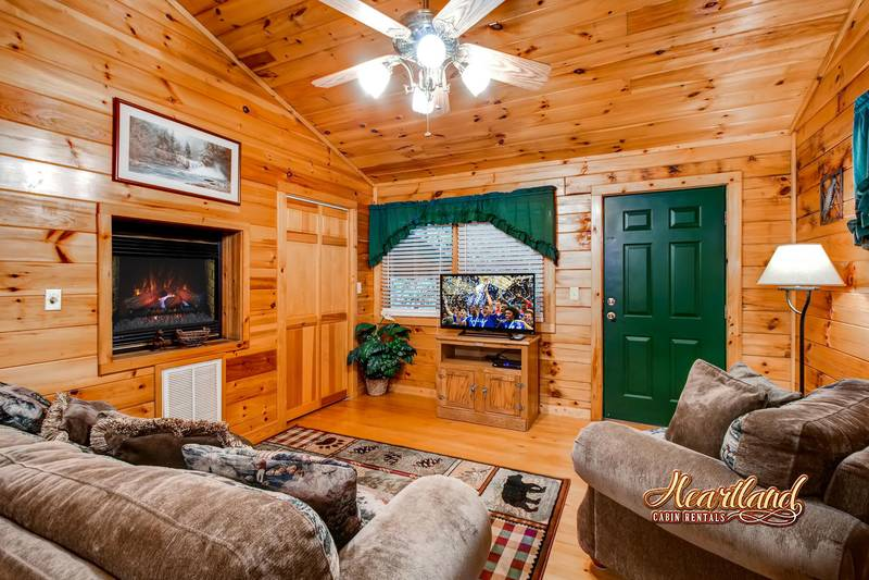 Romantic Retreat 1 Bedroom Cabin In Gatlinburg Tn