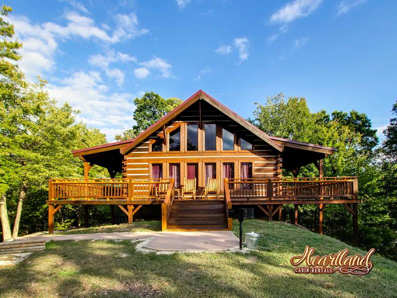 Halfway to heaven 3 bedroom cabin in gatlinburg tn for Large cabin rentals in tennessee