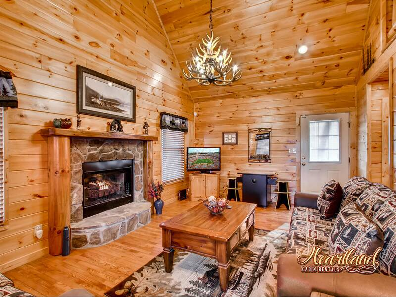 bear tootin 2 bedroom cabin in wears valley tn