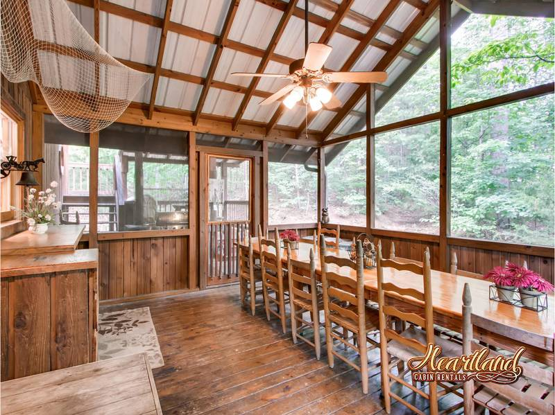 Diamond In The Rough 4 Bedroom Cabin In Gatlinburg Tn