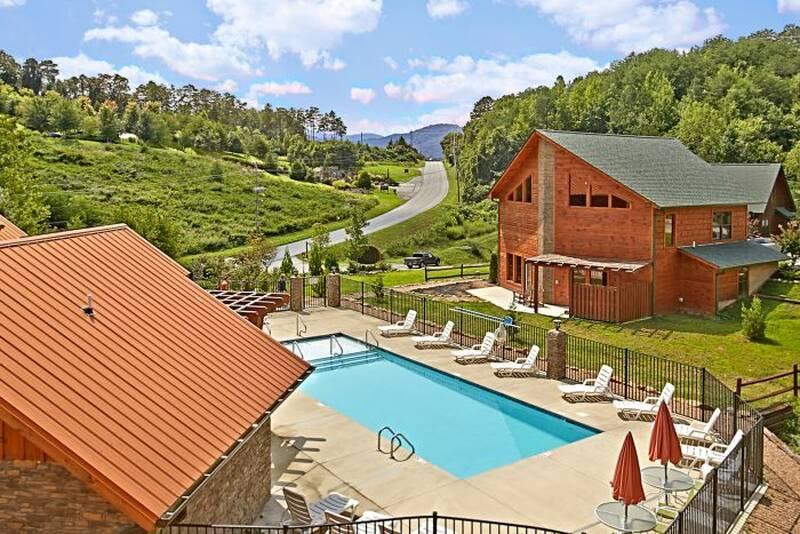 Southern state of mind 3 bedroom cabin in gatlinburg tn - Gatlinburg falls resort swimming pool ...