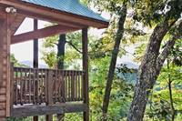 Above the Clouds - 2 bedroom Gatlinburg Cabin - Heartland Cabin Rentals - Outside View