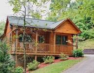 Cuddlers Paradise - 1 bedroom cabin in between Gatlinburg and Pigeon Forge