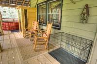 Aspen's Hideaway - pet friendly 1 bedroom cabin in between Gatlinburg and Pigeon Forge
