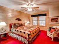 ing sized bed in this 2 bedroom cabin near Pigeon Forge, TN