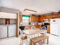 Full kitchen in Ber Watch - 3 bedroom Pigeon Forge chalet
