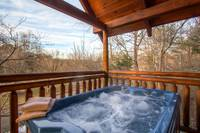 Pigeon Forge Cabin has a hot tub