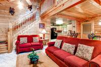 Pet Friendly Cabin - Master Bedroom up stairs
