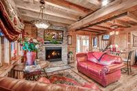 Aspen's Hideaway - living room of this 1 bedroom cabin in near Gatlinburg and Pigeon Forge
