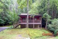 Romantic Studio Cabin located in the heart of the Arts and Crafts Community of Gatlinburg