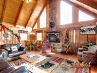 2 Bedroom Pet Friendly Cabin in Pigeon Forge decorated for Christmas