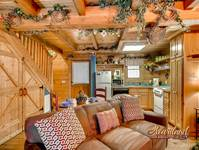 1 bedroom affordable cabin near Dollywood and Splash Country in Pigeon Forge TN