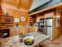 One bedroom Cabin between Gatlinburg and Pigoen Forge Shopping