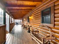 Wooden porch furniture of Bear Hug - 4 bedroom in cabin in Gatlinburg