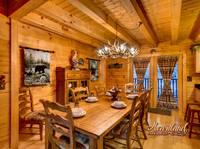 Living room of Bear Hug - 4 bedroom in Gatlinburg cabin rental - Sleeps 8