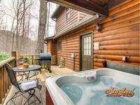 Hot tub , grill and deck chairs - Perfect for a summer vacation