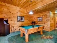 Pool Table 5 bedroom Cabin