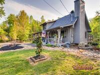 LJ's Cozy Getaway - 1 bedroom cabin near Pigeon Forge
