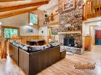 Living room with fireplace - Pigeon Forge cabin rental