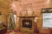 Enjoy Christmas in Bear Tootin Cabin