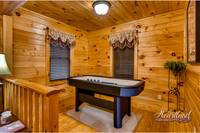 cabin in gatlinburg with game air hockey