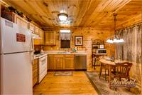one bedroom cabin with full kitchen in Gatlinburg, TN