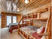 Bunk beds and queen size bed - sleeps 4