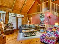 Living room of Barefoot Dreams - 2 Bedroom 2 Bath Cabin near Pigeon Forge